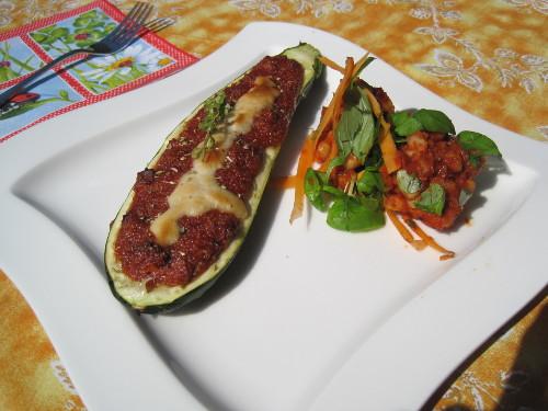 High Carb Vegan - Gefüllte Zucchini mit Salat aus weißen Bohnen
