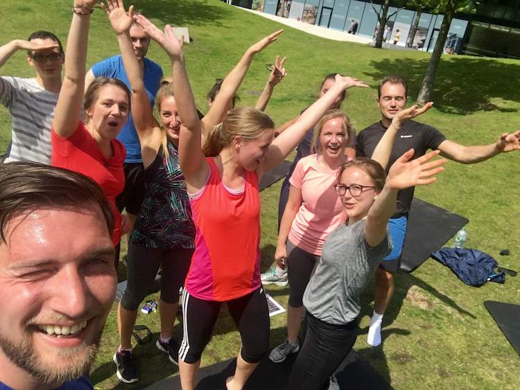 freeletics Erfahrung-abnehmen-Gruppe-Training