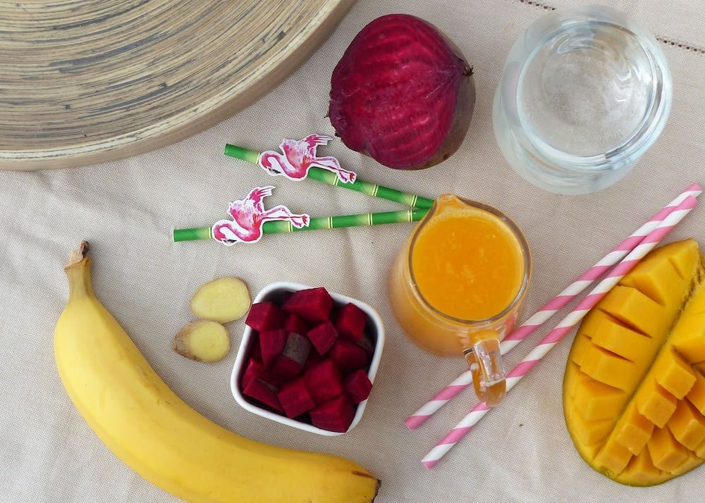 Rohkost-Rezepte-rote-Beete-Smoothie-roter-smoothie-vorbereitung2