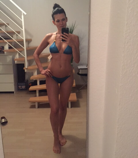 High-carb-low-fat-Madeleine Hermann Bikini selfie