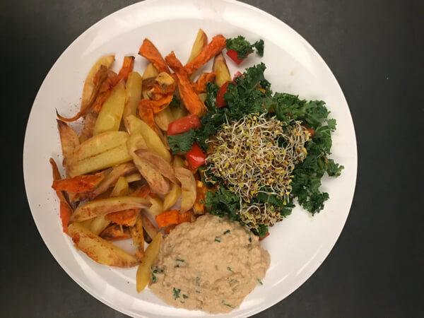 hcdl-Kartoffel -Süßkartoffel Pommes+Hummus+Grünkohl Granatapfelkerne